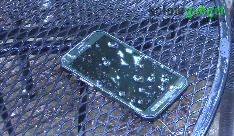 """Hilang 7 Bulan, Samsung Galaxy S5 Masih """"Bernyawa"""" Saat Ditemukan Diluar Ruangan"""