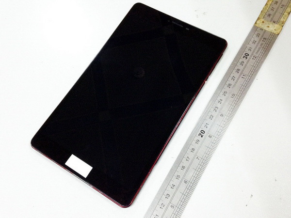 Dummy Tablet Google Nexus 8 Muncul Dalam Foto