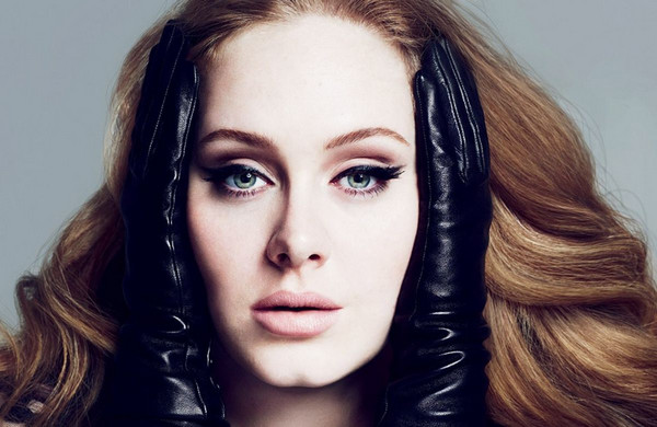 Album '25' Adele Bayangi Rekor Penjualan 'Be Here Now' Milik Oasis