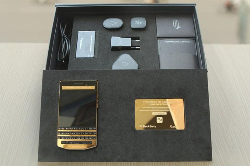 BlackBerry Porsche Design P'9983 berlapis emas 24K 2