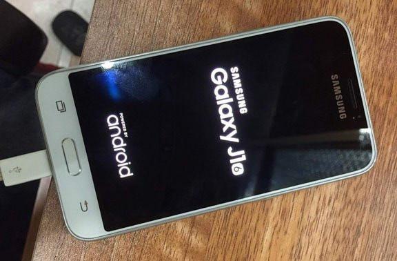 Wujud Penerus Samsung Galaxy J1 Muncul Dalam Gambar Nyata
