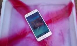 Hebat, Samsung Galaxy J5 Ternyata Tahan Air