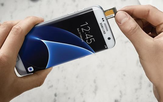 """LG dan Samsung Kompak Buang Fitur """"Adoptable Storage"""" Android 6.0 di G5 dan Galaxy S7"""