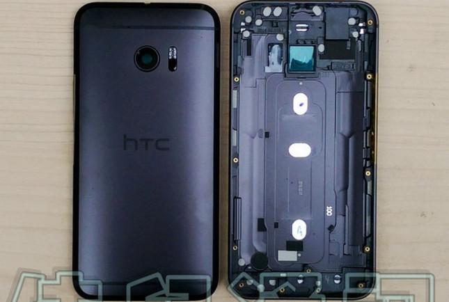 Melihat Cangkang HTC 10 Dari Dekat
