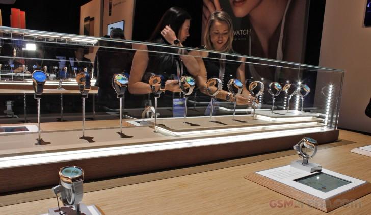 Huawei Watch Elegant & Jewel Sudah Muncul di Google Store