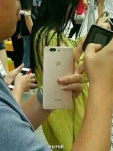 Ini Wujud dan Hasil Jepretan Dual-Kamera Huawei Honor V8 2