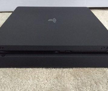 Lihat Lagi Penampilan PlayStation 4 Slim yang Langsing