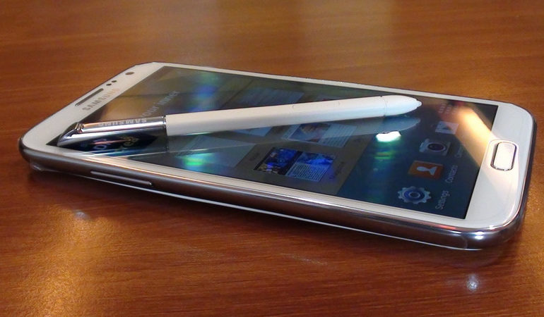 Samsung Galaxy Note 2 Berasap di Pesawat Tambah Daftar Panjang Ponsel Samsung yang Terbakar