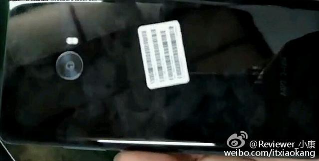 Tampak Glossy, Bodi Belakang Xiaomi Mi 5s Pakai Kaca?