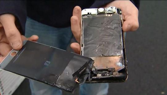 iPhone 6 Plus Terbakar di Saku Celana Siswa