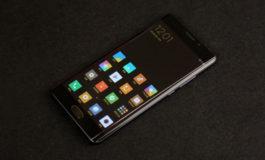 Tidak Akan Pernah Ada Xiaomi Mi Note 2 Berlayar Datar