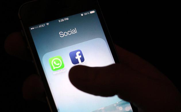 WhatsApp di ponsel