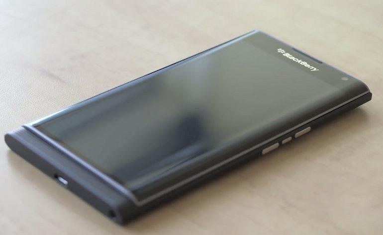 Ini Fungsi Layar Lengkung di Blackberry Priv