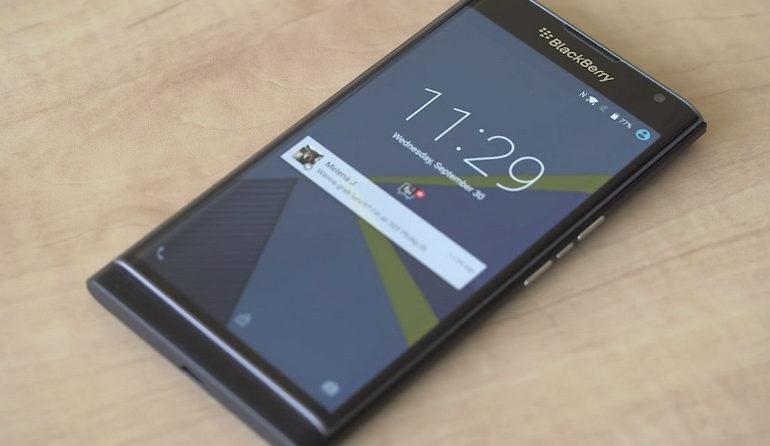 Produktivitas Dibalik Layar Lengkung Blackberry Priv