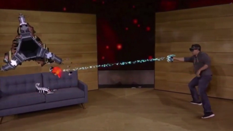 Microsoft Unjuk Kebolehan HoloLens Mainkan Game Holographic Reality
