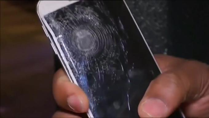 Berkat Samsung Galax S6 edge, Pria Ini Selamat Dari Serangan Teroris di Paris Perancis