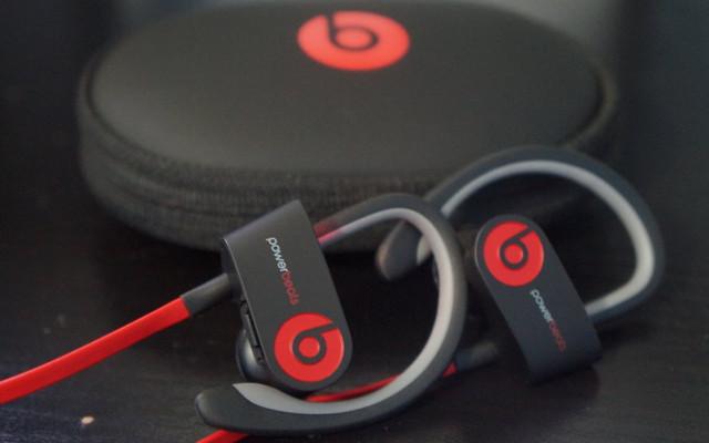 Solusi Hilangnya Jack 3.5mm di iPhone 7, Apple Siapkan Earbud Nirkabel Dengan Nama Beats