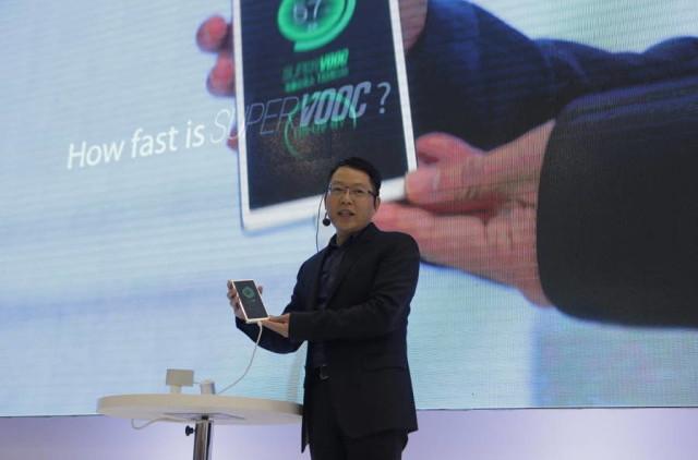 Cuma 15 Menit, Baterai Smartphone Oppo Bisa Diisi Penuh Berkat VOOC