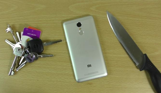 Melihat Tangguhnya Xiaomi Redmi Note 3 Dalam Uji Gores