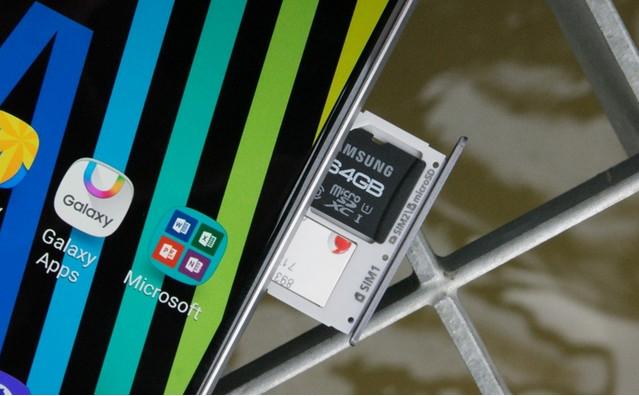 Slot SIM Hybrid di Ponsel Samsung, Positif Atau Negatif