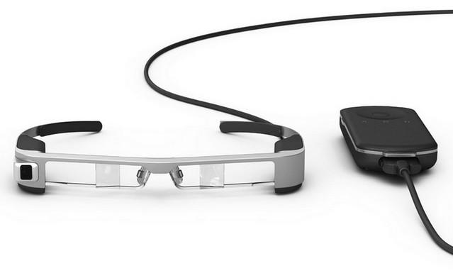 SmartGlass Epson Moverio BT-300 Tawarkan Pengalaman Augmented Reality