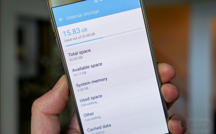 Android dan TouchWiz Makan 8GB Memori Internal Samsung Galaxy S7