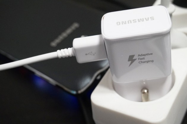 Sama-sama Pakai Snapdragon 820, LG G5 dan Samsung Galaxy S7 Punya Quick Charge Berbeda Versi