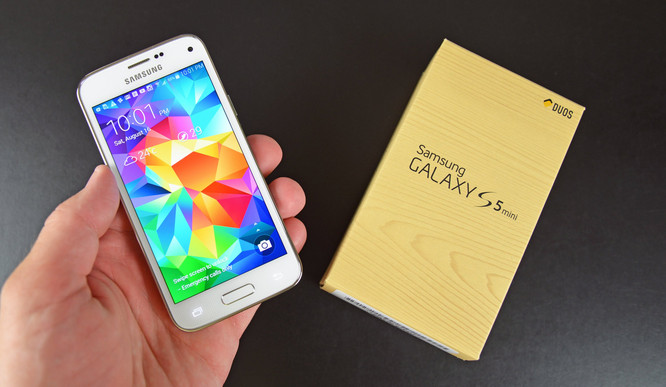 Samsung Galaxy S7 Mini Bakal Jadi Lawan Tanding iPhone SE