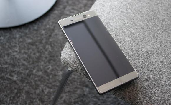 Android 7.0 Nougat Segera Tersedia untuk Sony Xperia X Performance