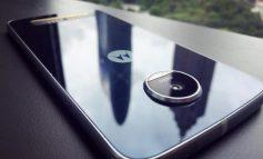 Lenovo Duplikasi Desain Moto Z & Z Force untuk Moto Z Play