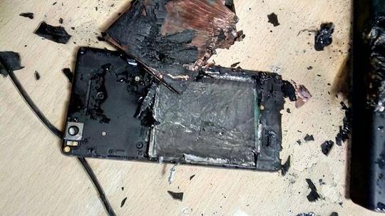 Xiaomi Mi 4i Terbakar