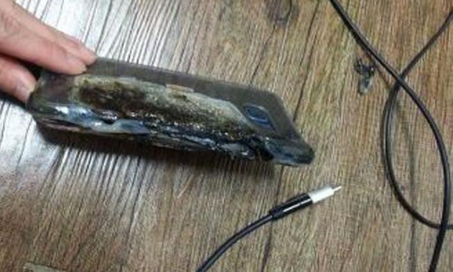 Samsung Galaxy Note 7 Dilaporkan Meledak