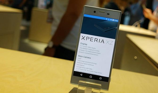 Sony Xperia XZ Tiba di India 10 Oktober, Bawa Bonus SmartBand Talk SWR30