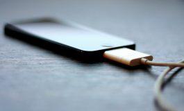 Tips Aman Men-charger HP Agar Tidak Meledak atau Terbakar