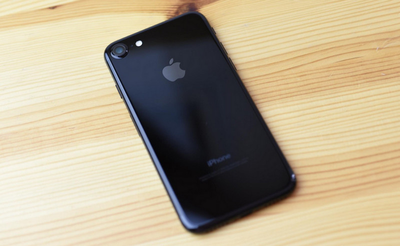 logo-apple-di-iphone-7-jet-black-gampang-memudar
