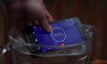 Ponsel Google Pixel Ternyata Tahan Direndam dalam Air