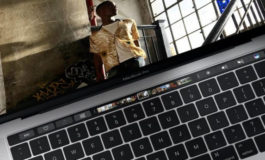 Touch Bar OLED Apple Macbook Pro Dipasok Samsung?