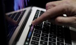 Apple Berkelit Soal Masalah Pada Baterai MacBook Pro Terbaru