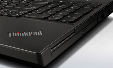 Lenovo ThinkPad E470 & E570 Lepas Ciri Khas Warna Hitam