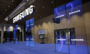 Samsung Galaxy S8 Pakai Layar Tanpa Bezel dan Tombol Home