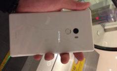 Tampang Putih Xiaomi Mi MIX Menampakkan Diri