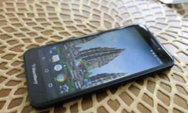 Sambut Blackberry Aurora, Ponsel Pertama Produksi BB Merah Putih