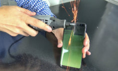 Video Ini Buktikan Samsung Galaxy S8 Tidak Mudah Terbakar & Meledak